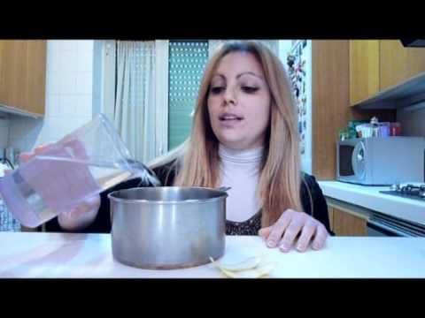 Pan di spagna al cioccolato e torta in pasta di zucchero